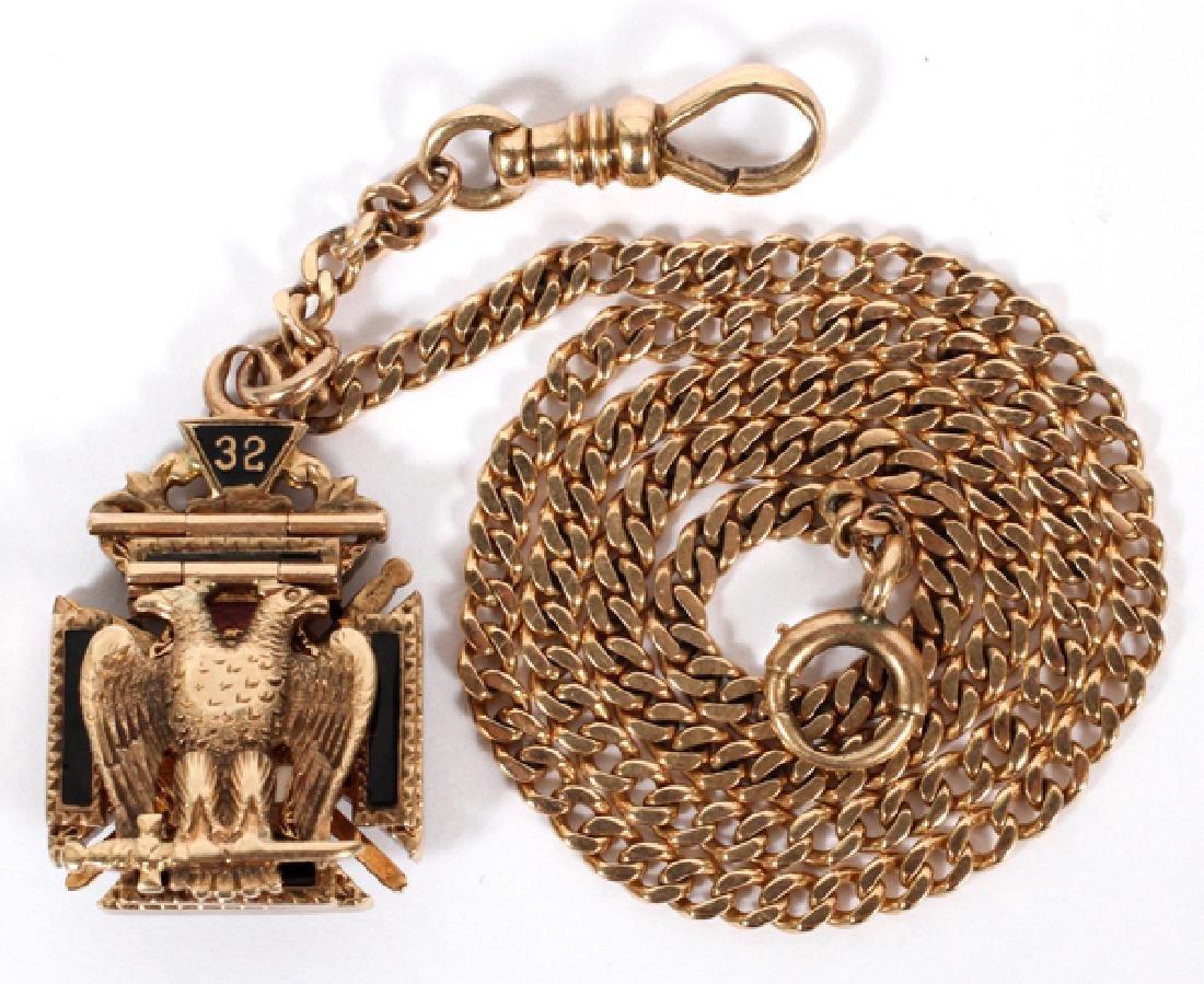 YELLOW GOLD AND ENAMELED MASONIC PRESENTATION FOB