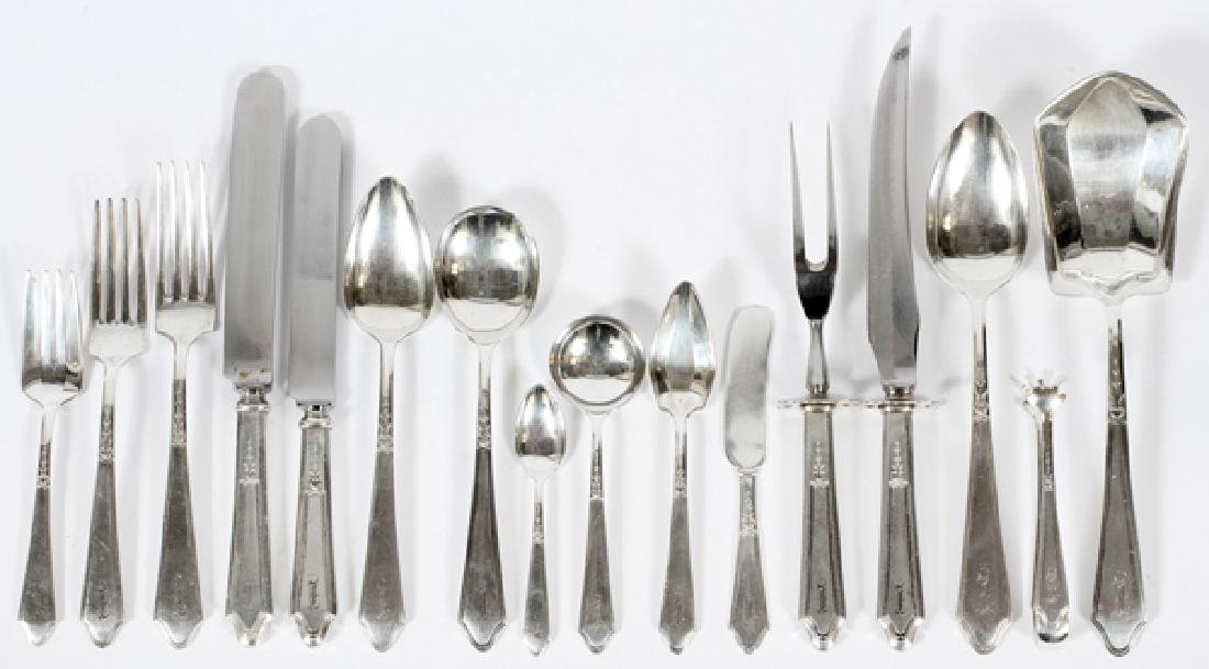 LUNT 'CHATEAU-CHATEAU THIERRY' STERLING FLATWARE