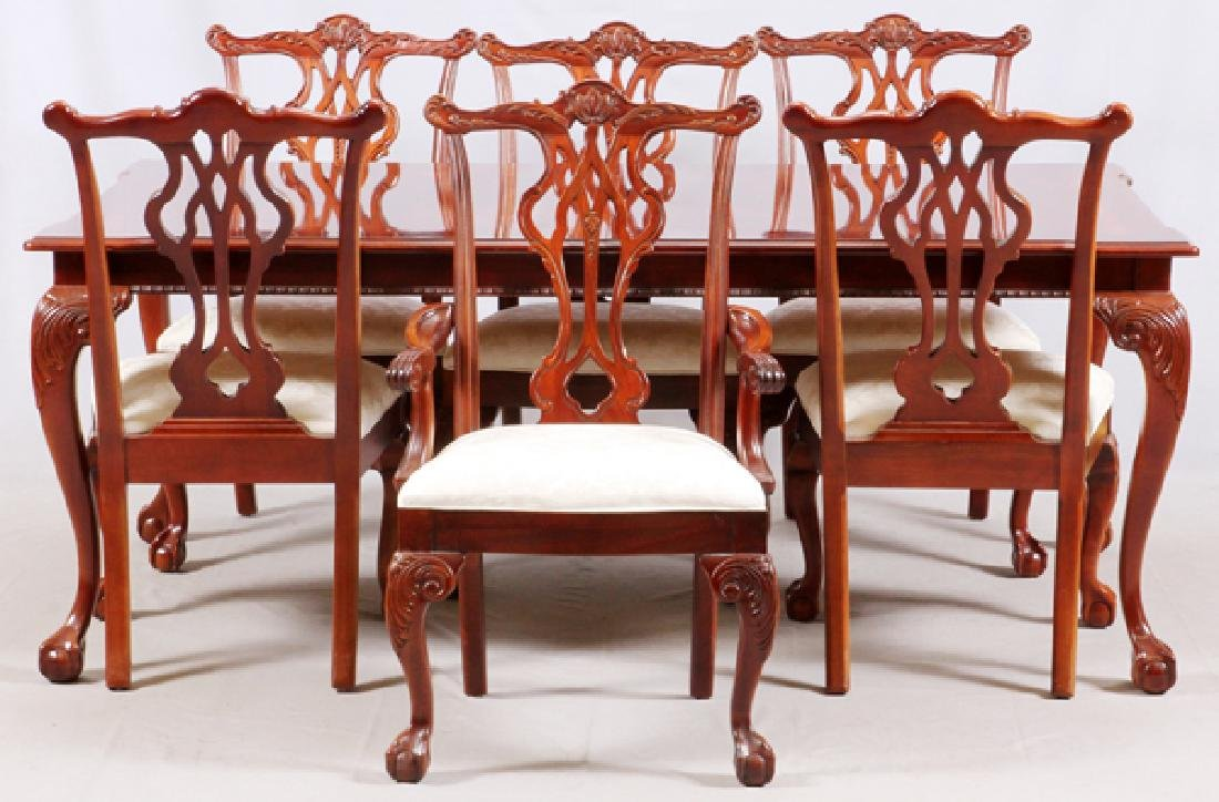 THOMASVILLE CHIPPENDALE STYLE MAHOGANY DINING SET