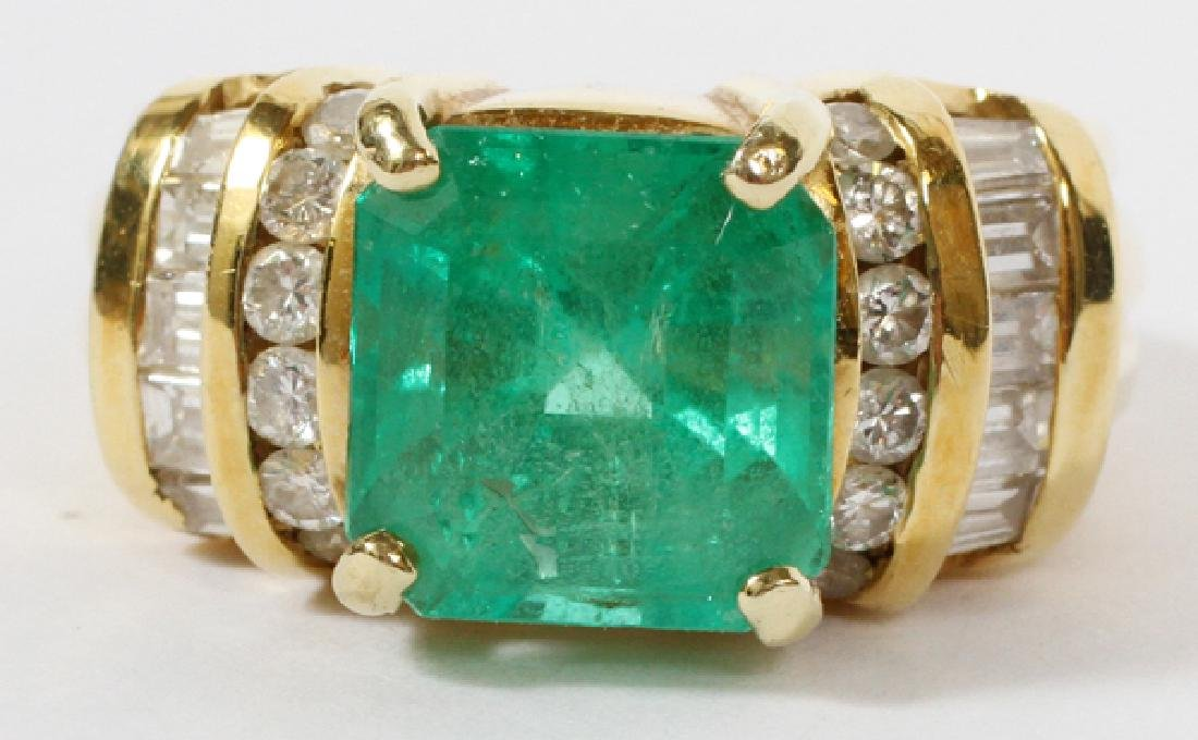 EMERALD DIAMOND AND 18KT YELLOW GOLD RING