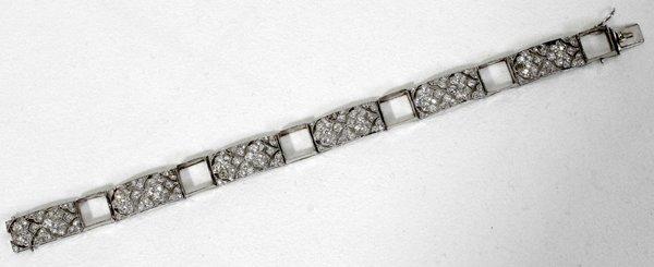 110182: DIAMOND & PLATINUM BRACELET