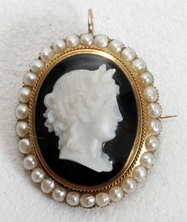 111079: VICTORIAN GOLD, PEARL & AGATE CAMEO BROOCH