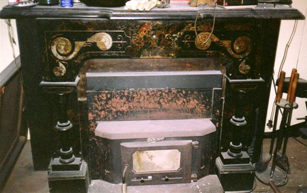 120002: VICTORIAN BLACK MARBLE FIREPLACE MANTLE