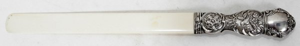 121023: VICTORIAN STERLING-HANDLED & IVORY PAGE CUTTER