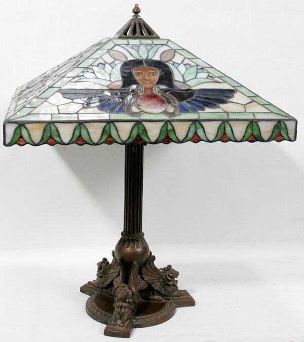 122020: HANDEL LEADED GLASS & BRONZE BASE TABLE LAMP