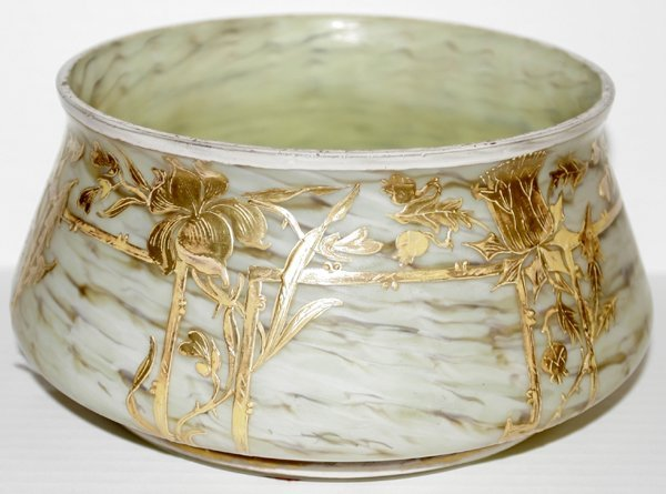 011011: ART NOUVEAU GOLD-DECORATED SLAG GLASS BOWL