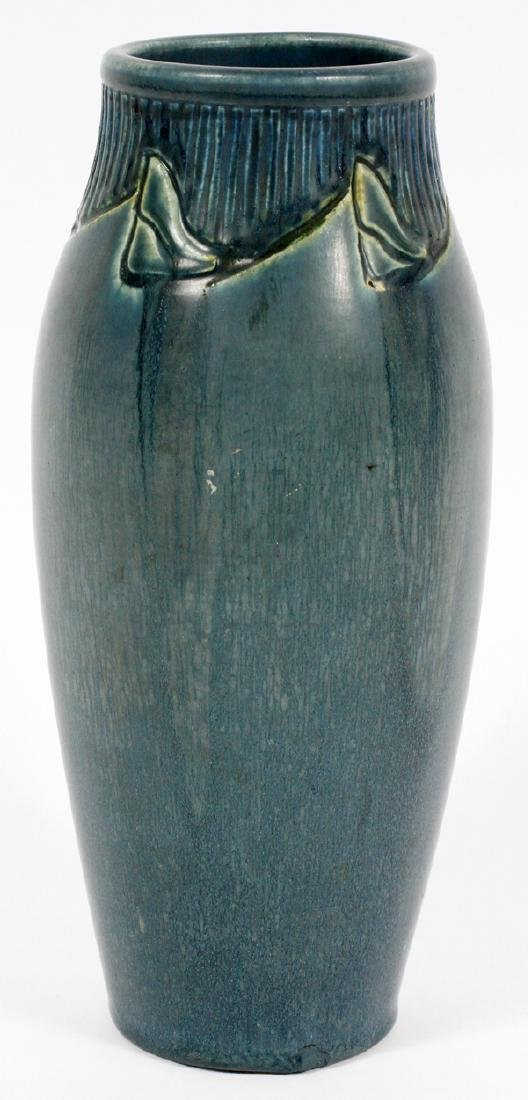 ROOKWOOD POTTERY VASE 1918 - 2