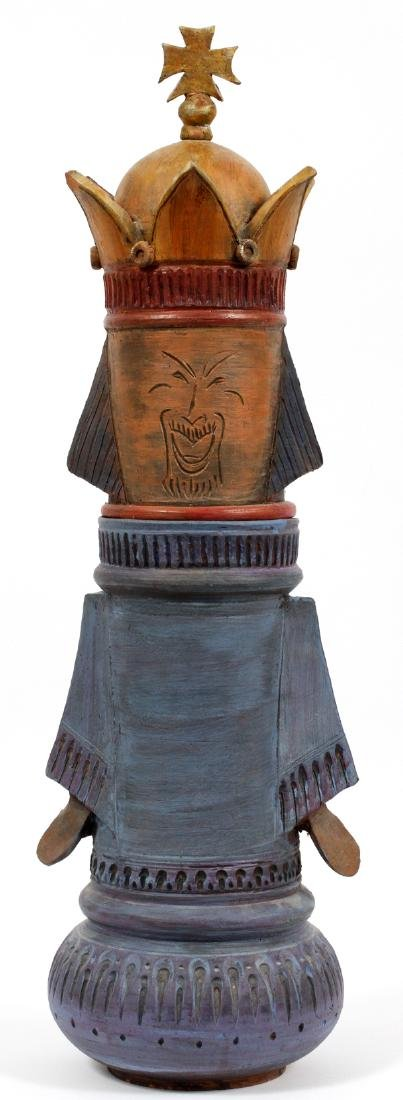 POTTERY KING SCULPTURE