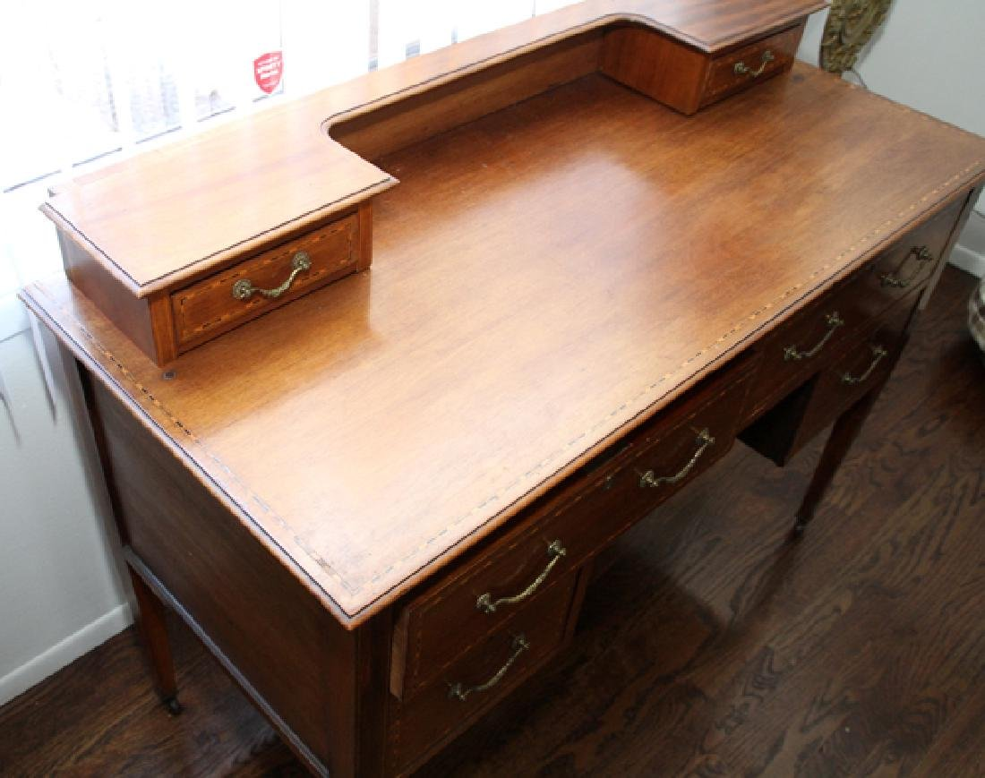 HEPPLEWHITE STYLE MAHOGANY & SATINWOOD INLAY DESK - 3