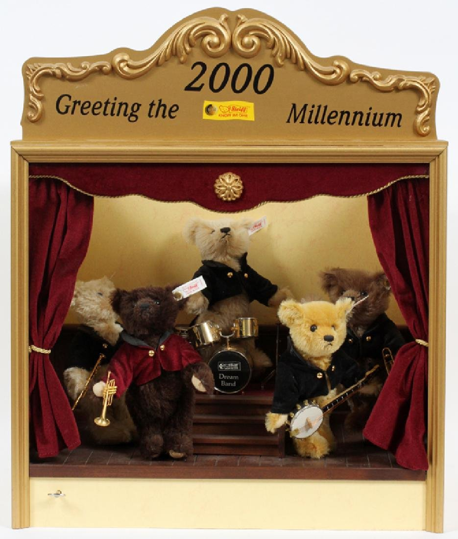 STEIFF MUSICAL BAND '2000 GREETING THE MILLENNIUM'