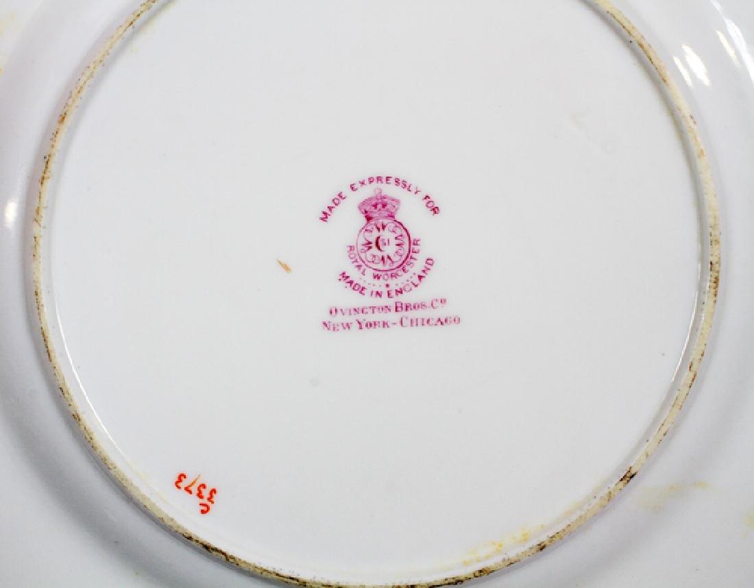 ROYAL WORCESTER PORCELAIN DINNER SERVICE, 68 PCS. - 3