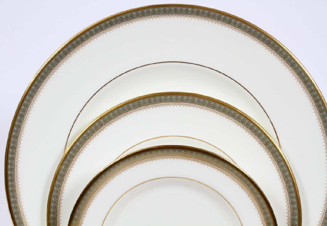 ROYAL DOULTON 'CLARENDON' PORCELAIN DINNER SERVICE - 2