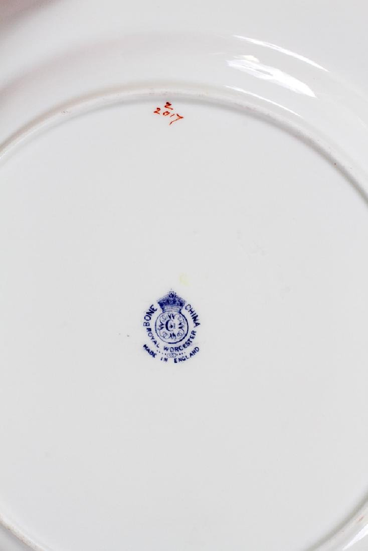 ROYAL WORCESTER PORCELAIN DINNER PLATES, 12 - 2