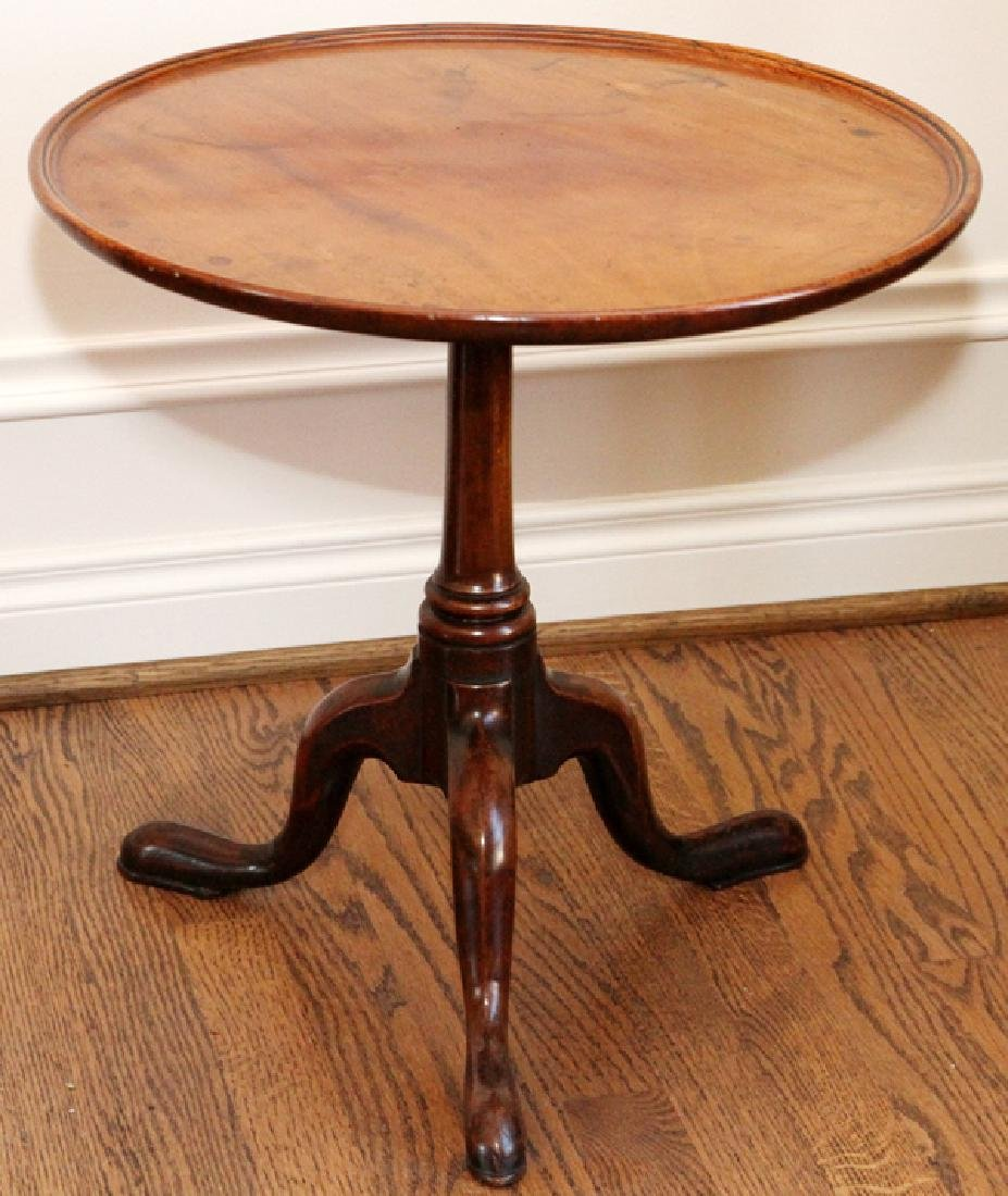 QUEEN ANNE STYLE MAHOGANY TILT TOP TABLE