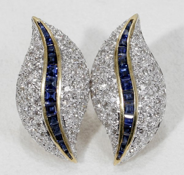 020003: 18K GOLD, DIAMOND & SAPPHIRE EARRINGS