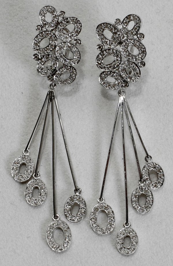 020019: 18K GOLD & 1.1CT DIAMOND EARRINGS