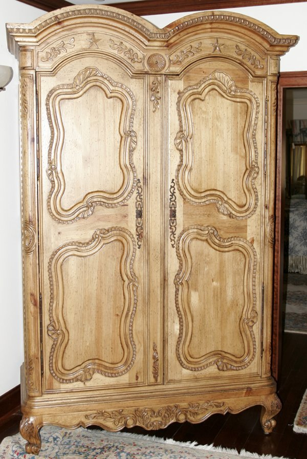 022009: COUNTRY FRENCH STYLE CARVED PINE ARMOIRE