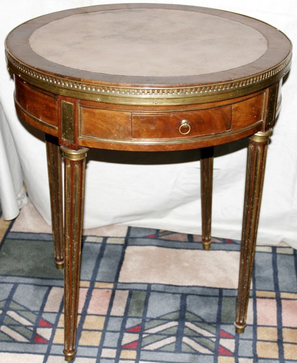 031007: FRENCH MAHOGANY ROUND GAMES TABLE, 19TH C.
