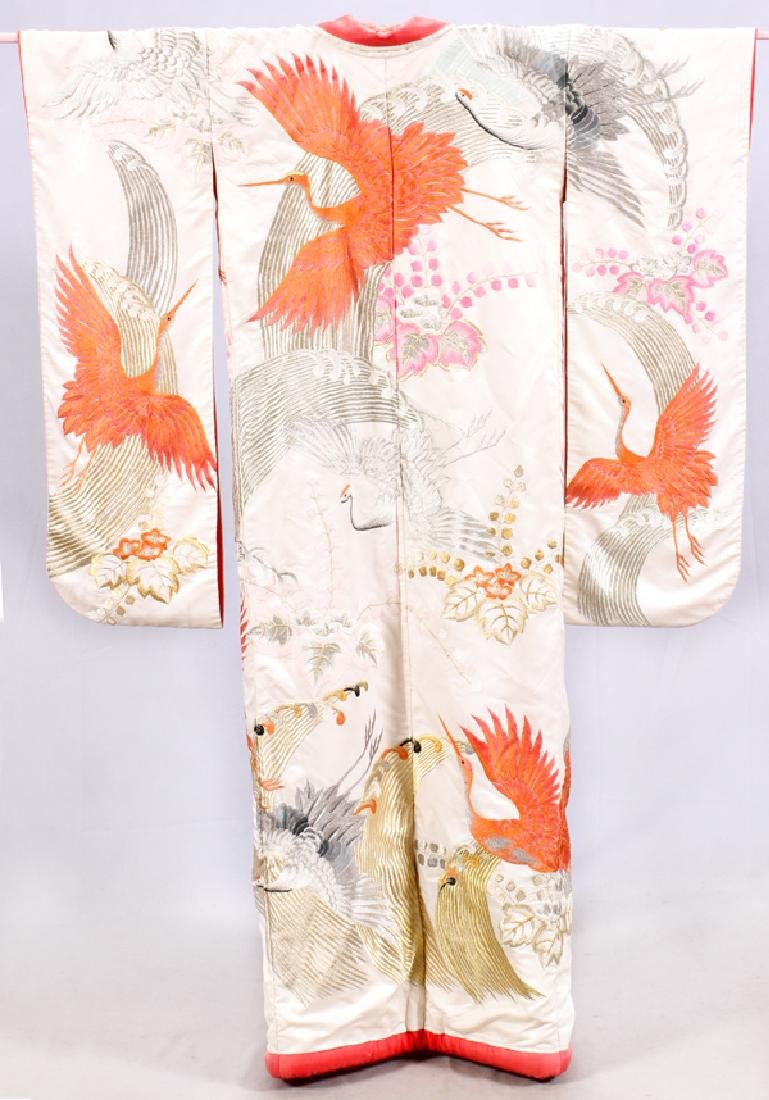 JAPANESE WHITE & RED SILK EMBROIDERED KIMONO
