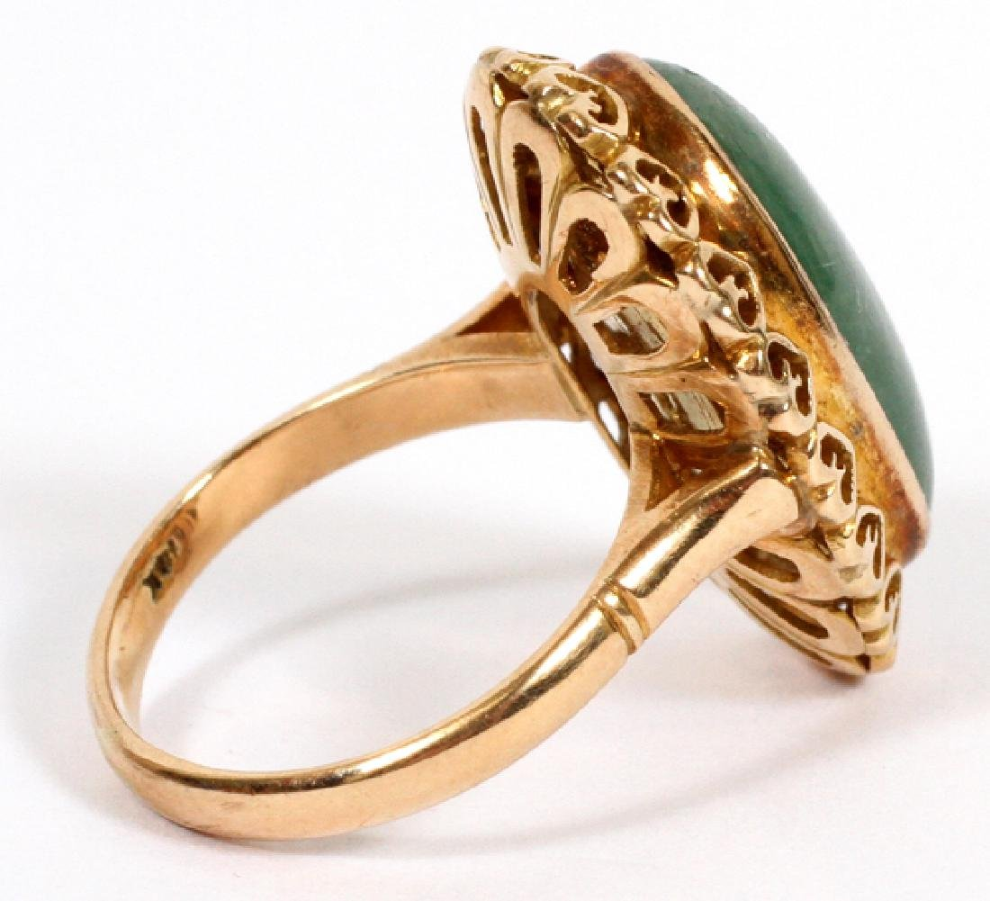 14KT YELLOW GOLD RING WITH CABOCHON GREEN STONE - 2