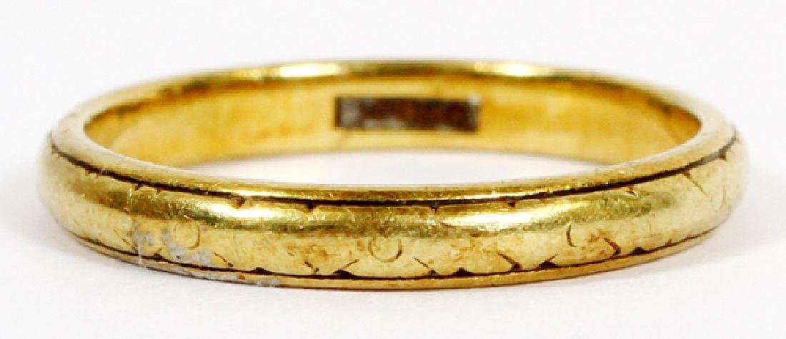 18KT YELLOW GOLD BAND