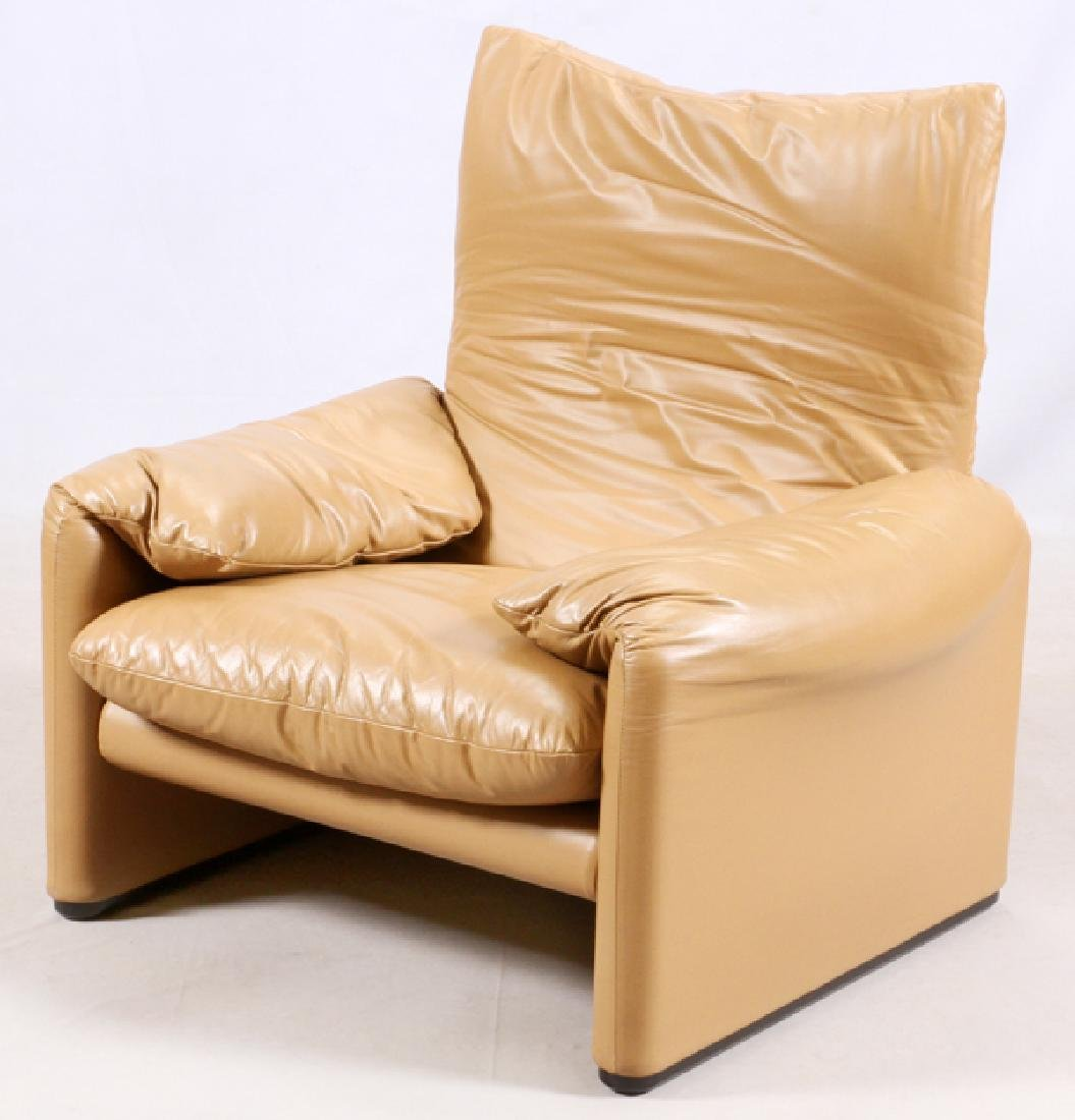 VICTOR MAGISTRETTI MARALUNGA LEATHER SOFAS & CHAIR - 7