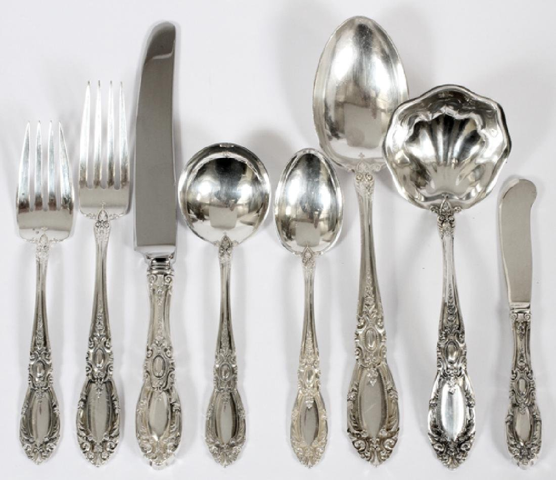 TOWLE 'KING RICHARD' STERLING SILVER FLATWARE SET