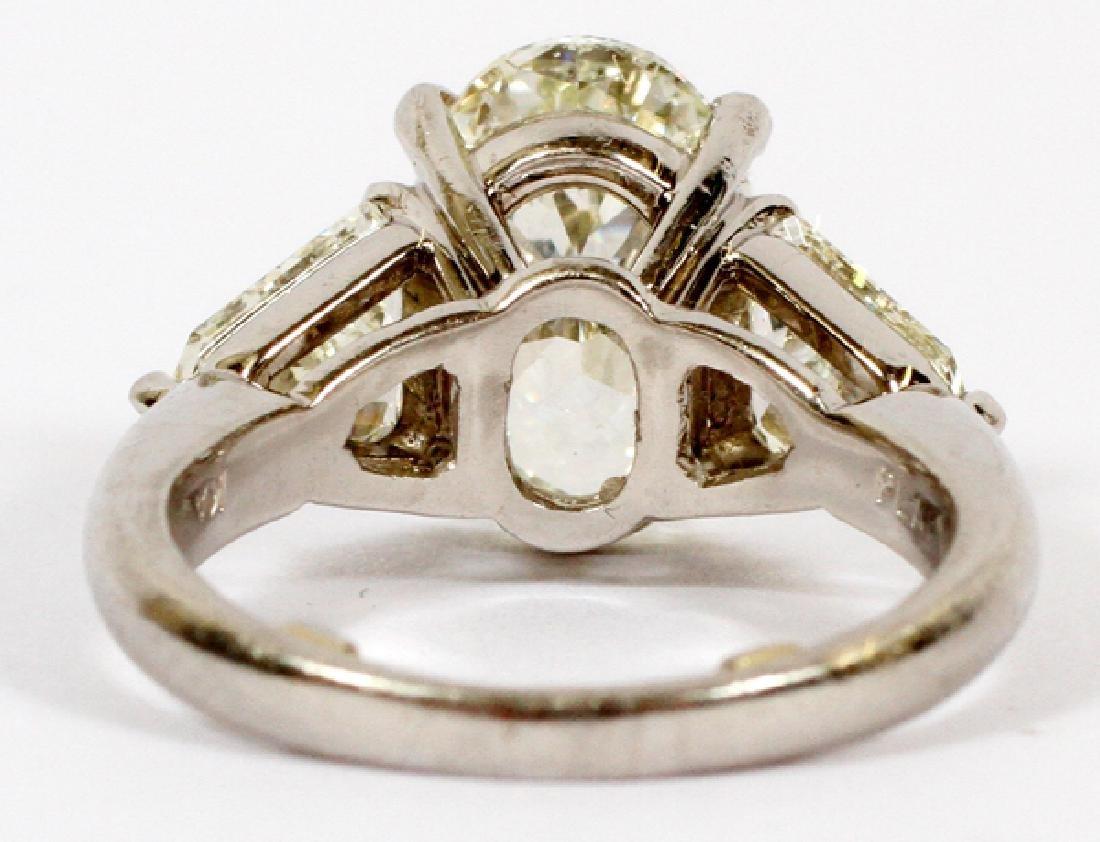 SOLITARY DIAMOND, SIDE DIAMONDS, PLATINUM RING - 3