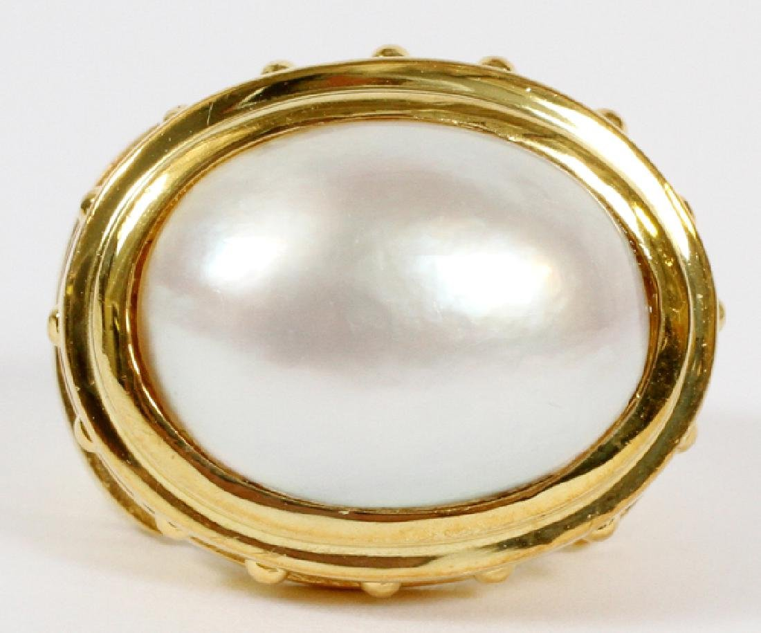 MABE PEARL & 14KT YELLOW GOLD RING, SIZE 4.5