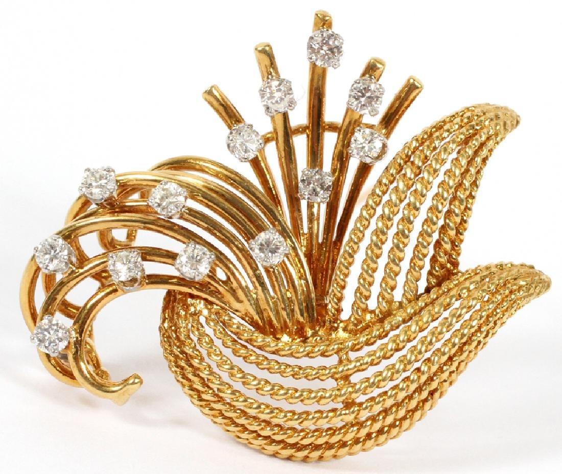 DIAMOND  AND 18K YELLOW GOLD BROOCH PIN