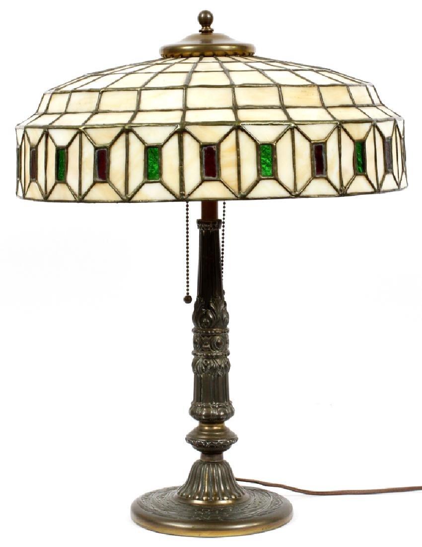 AMERICAN LEADED GLASS TABLE LAMP, CIRCA 1920