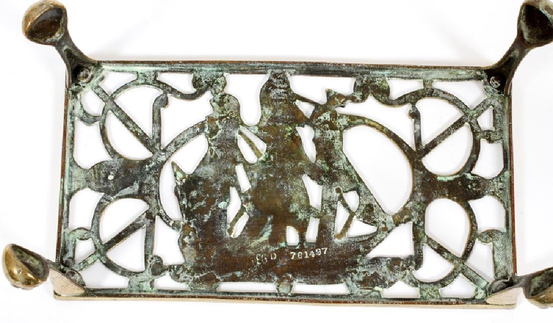 ENGLISH BRASS FIREPLACE TRIVET, 19TH C. - 2