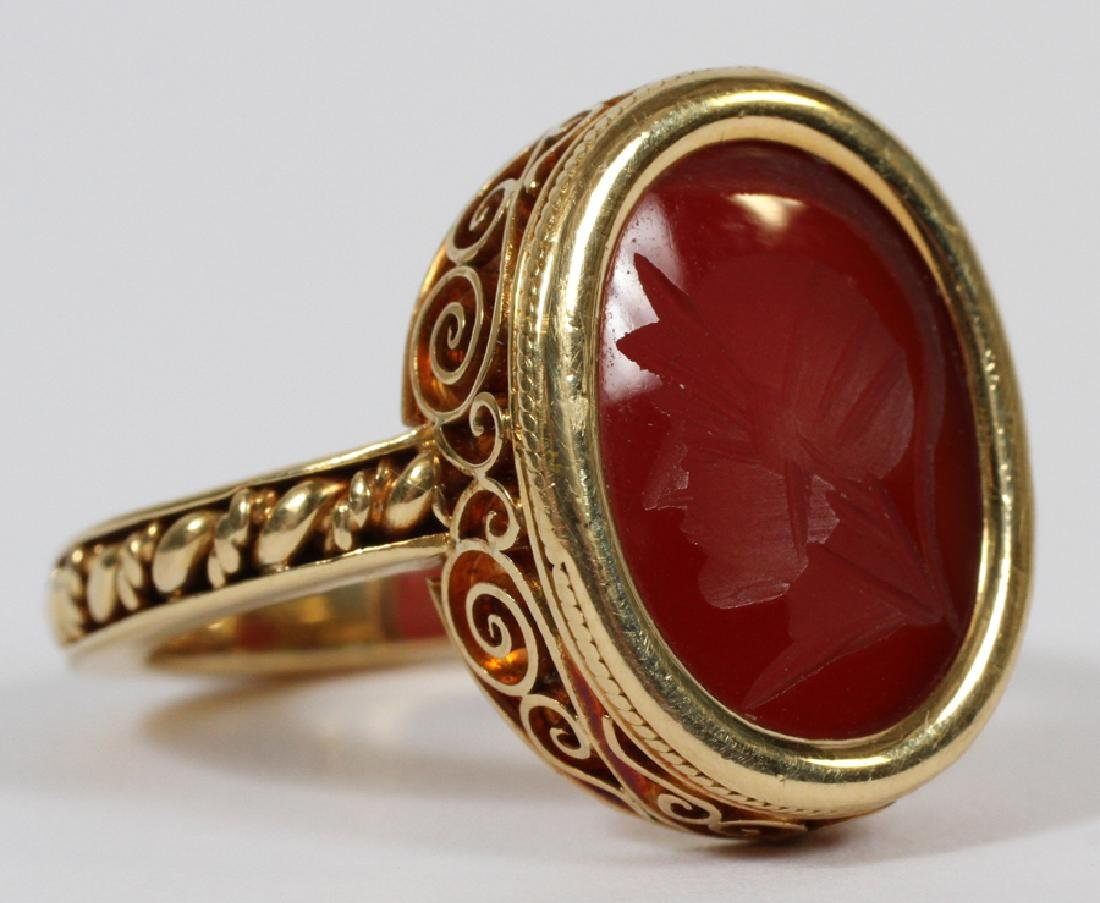 MANS 18KT YELLOW GOLD RING WITH RED INTAGLIO - 2