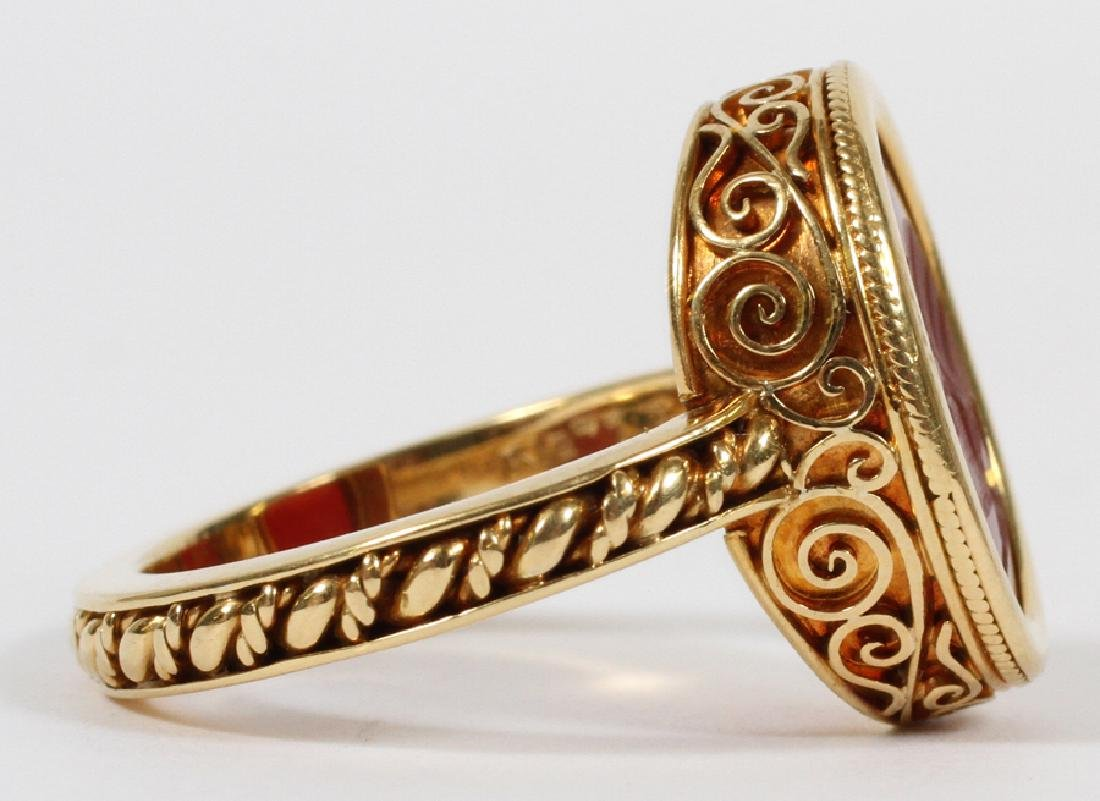 MANS 18KT YELLOW GOLD RING WITH RED INTAGLIO - 6
