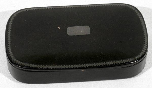 "051031: ENGLISH PAPIER MACHE SNUFF BOX, C.1800, W2.5"""