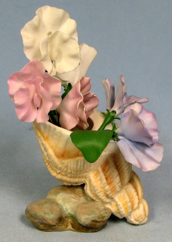 063018: BOEHM BISQUE 'SWEET PEA IN SEASHELL', H6.5""