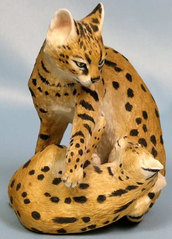 "063410: BOEHM BISQUE FIGURE 'CATS' H6"" W4.5"""