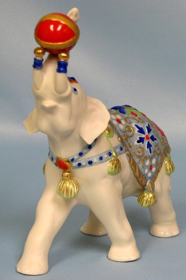 "063454: CYBIS BISQUE CIRCUS ELEPHANT ""ALEXANDER"" 1975"