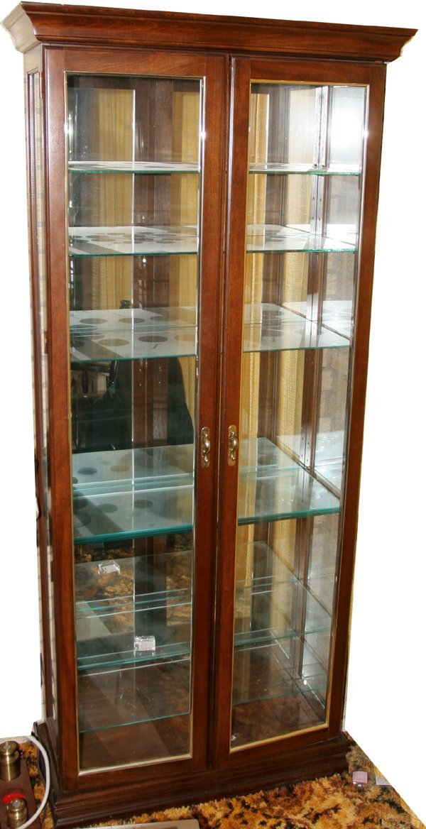 060021: MAHOGANY DISPLAY CABINETS, LATE 20TH C., FOUR