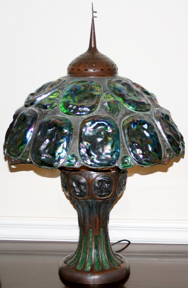 "060023: ART GLASS & BRONZE TABLE LAMP, H31.5"" DIA20"""
