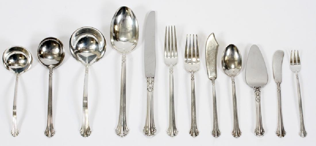 "TOWLE ""SILVER PLUMES"" STERLING SILVER FLATWARE"