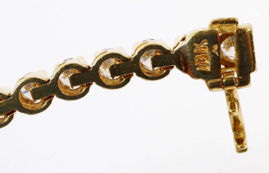 18K YELLOW GOLD AND DIAMOND LINK TENNIS BRACELET - 3