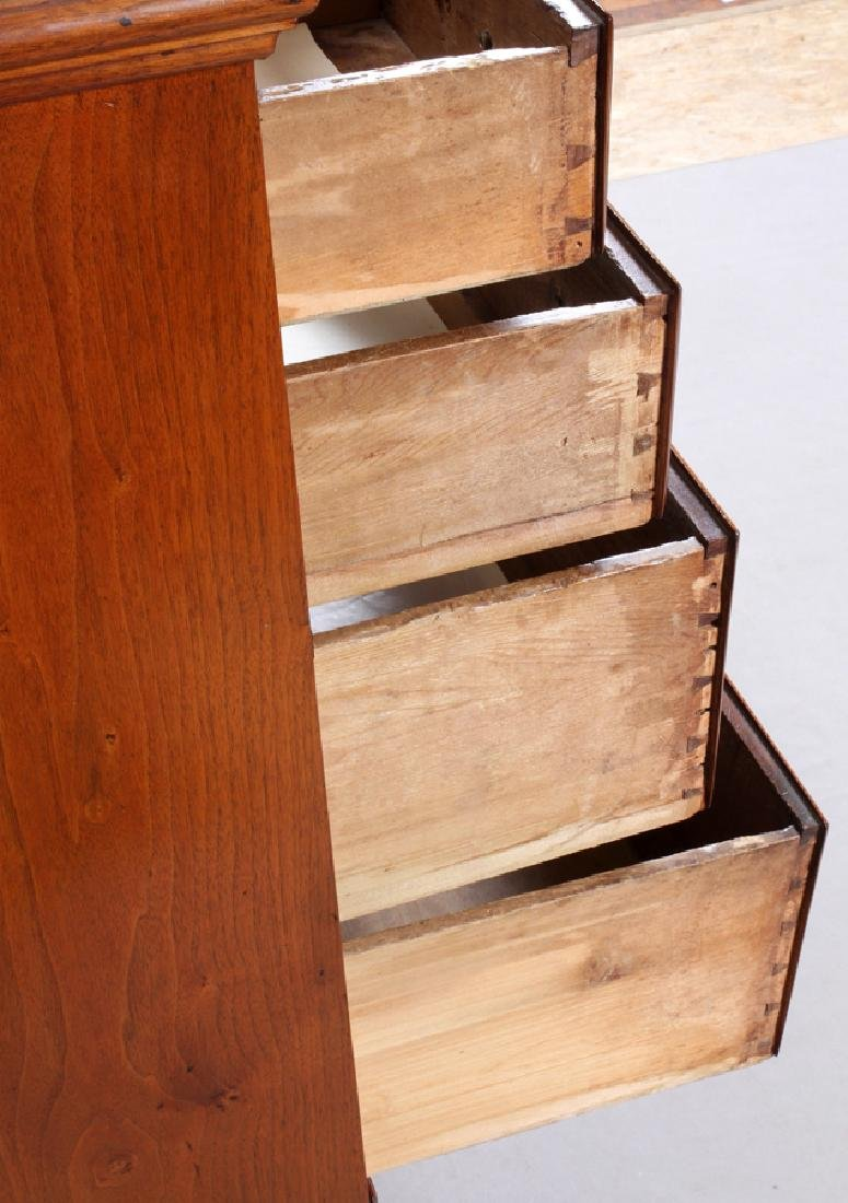 QUEEN ANNE WALNUT CHEST OF DRAWERS - 4