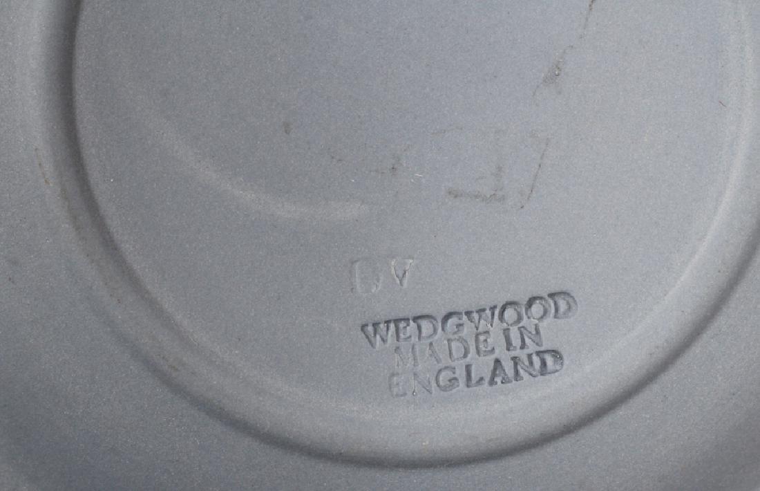 """WEDGWOOD VASE, BOWL AND PLATES 5 PCS. H 8"""" - 3"""