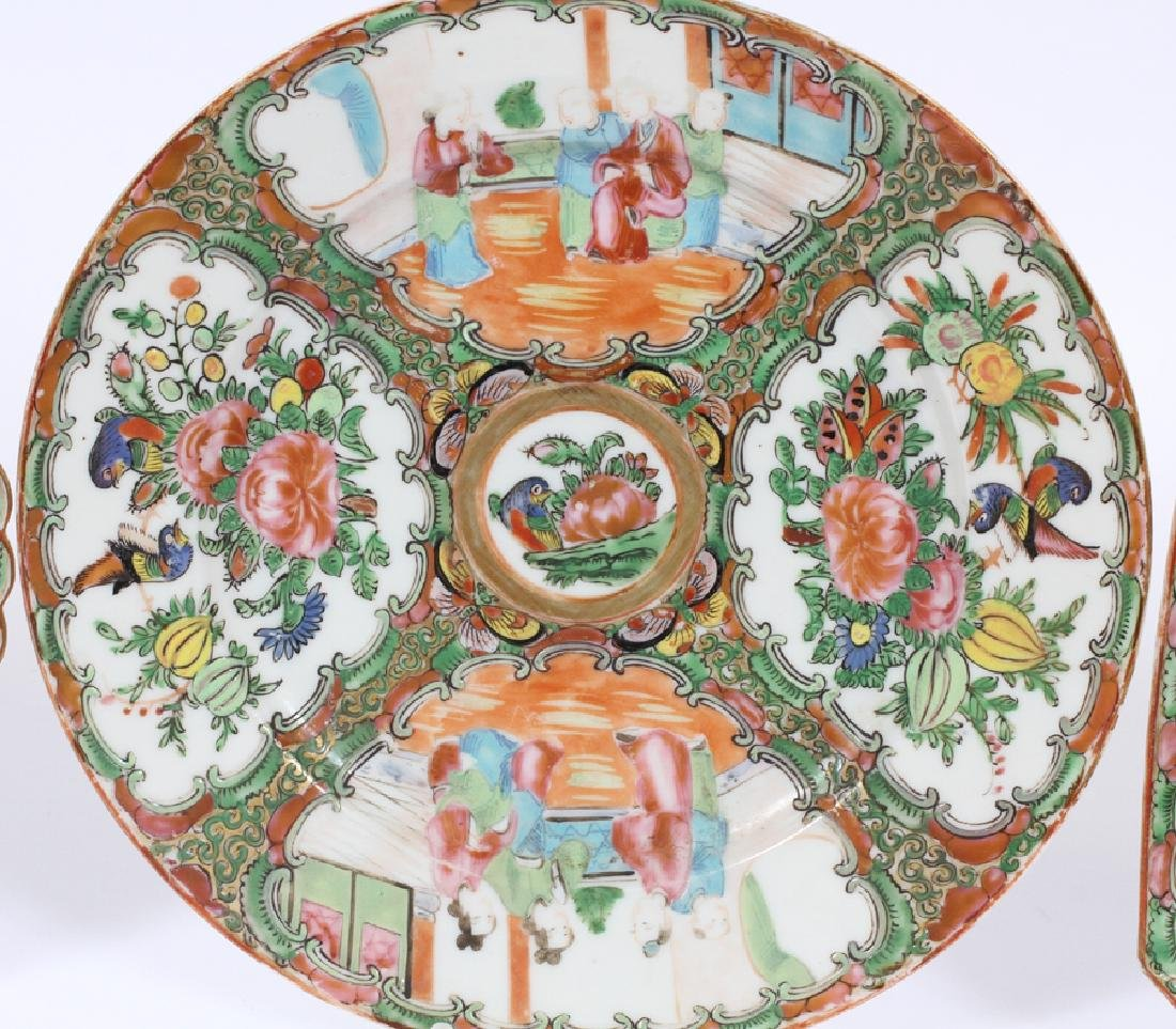 THREE CHINESE MEDALLION PORCELAIN PLATES - 3