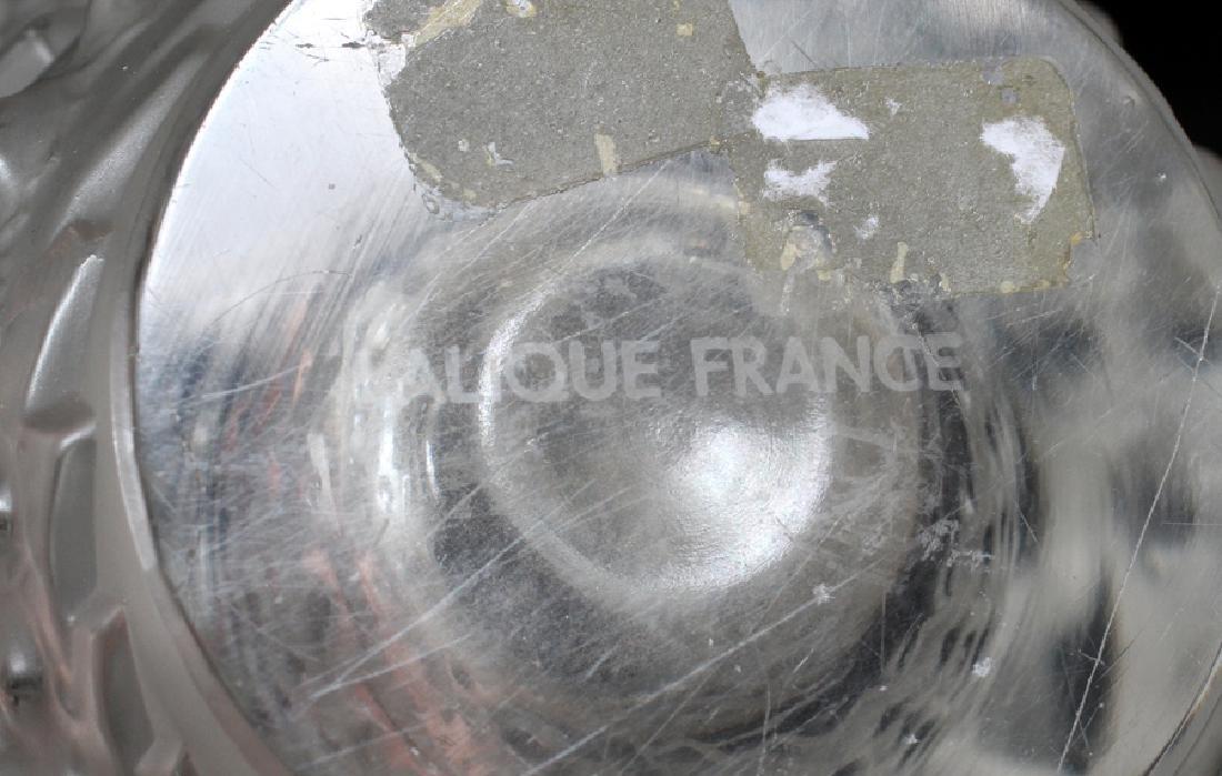 LALIQUE, FRANCE, 'LES POISSONS'  CRYSTAL FISH VASE - 3