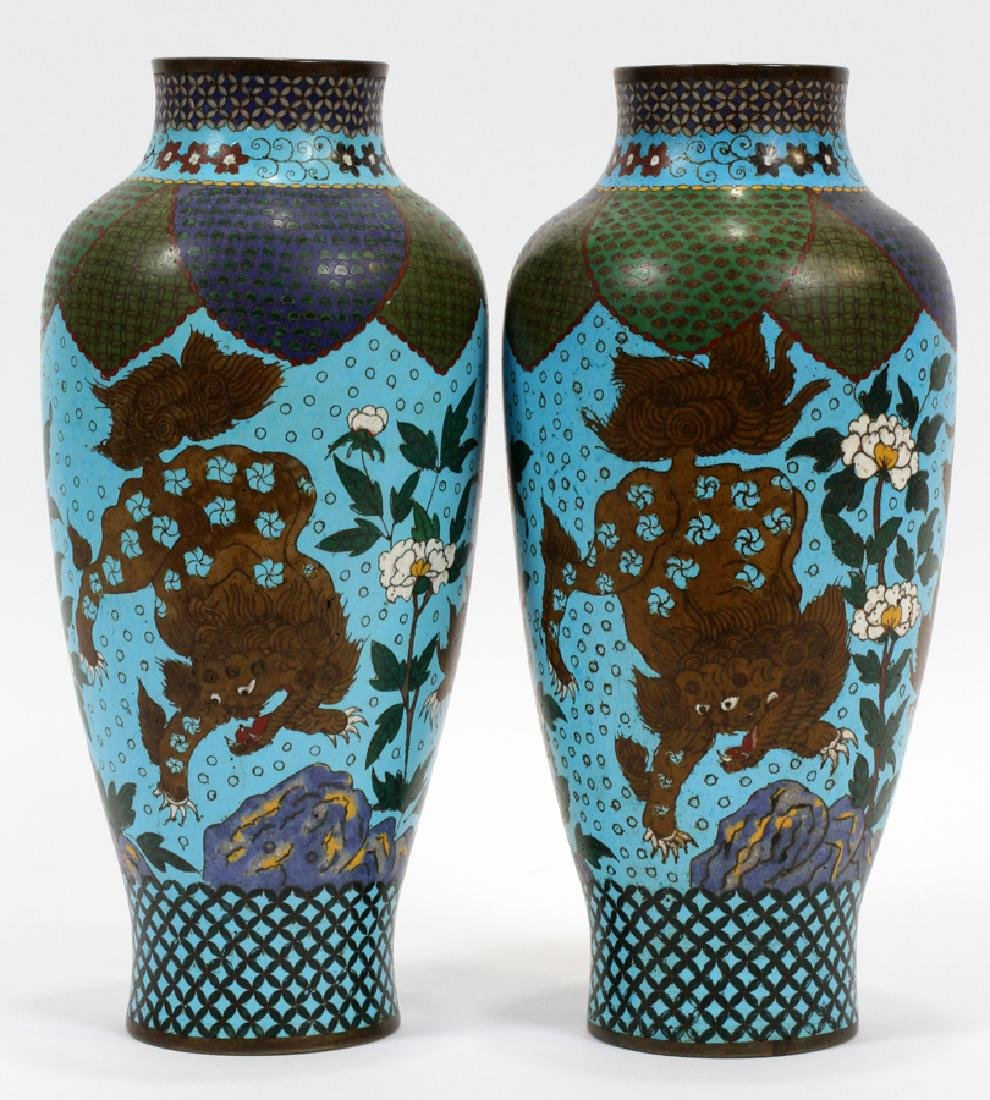CHINESE CLOISONNE VASES, 19TH C., PAIR