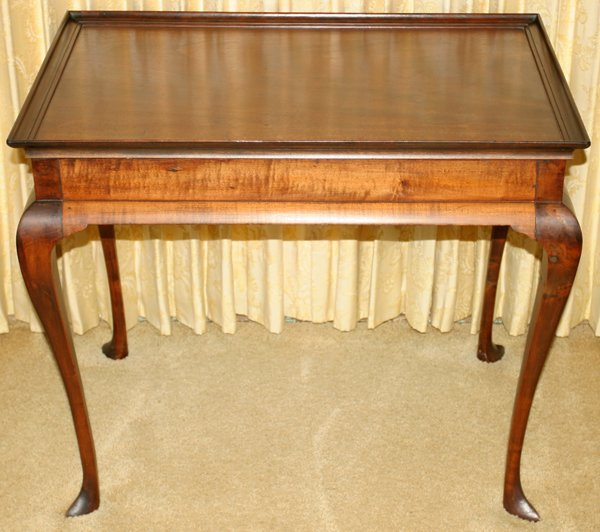 091003: QUEEN ANNE MAHOGANY TEA TABLE, 18TH C., H27""