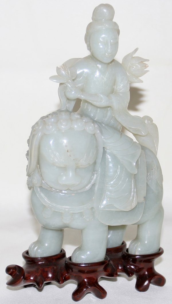 101097: CHINESE JADEITE FIGURE OF QUAN YIN ON A LION