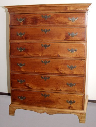 1015: AMERICAN MAPLE CHEST OF SIX DRAWERS, 18TH CENTURY
